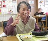 節分の日、お昼ご飯は恵方巻きでした。利用者さんもニッコリ笑顔(^^)