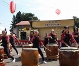 元気な太鼓演奏で始まった特養みやざき祭り。