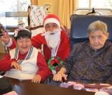 12月25日 施設にもサンタさんが来ました! プレゼントは、何かな?