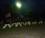 施設の職員が、町内会の祭りでよさこいを披露しました。